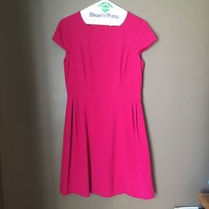 Pink knee-length dress with cap sleeves
